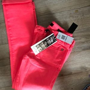 Low rose ankle length jeggings by Jessica Simpson